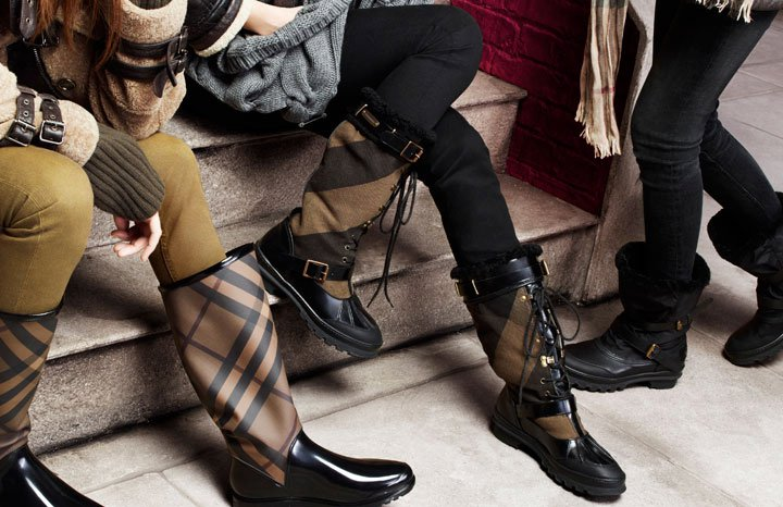 Burberry Autumn-Winter 2010 Accessories Collection-12