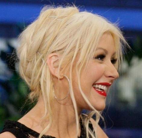 How to get Christina Aguilera Messy Hairdo