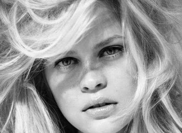 Black and white photographey Linnea Pihl