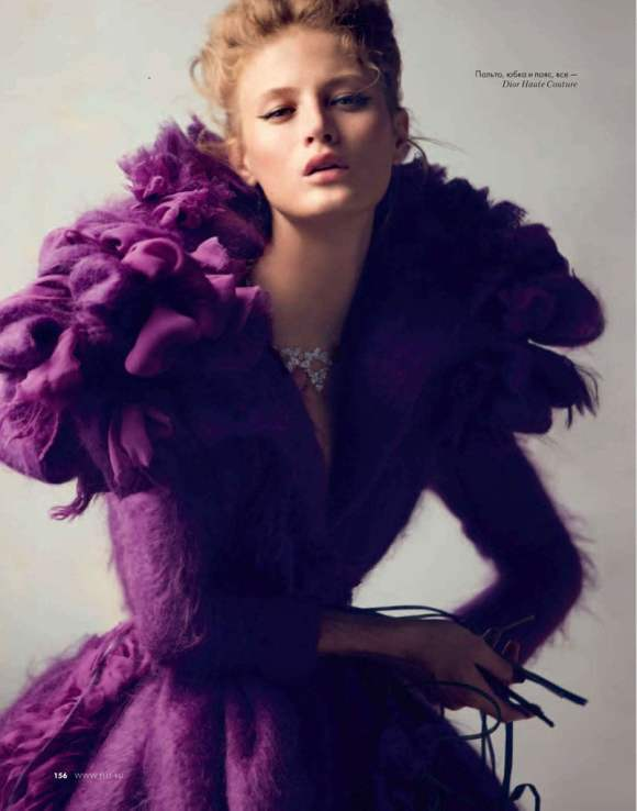 Michelle Buswell Elle Russia December 2010 2