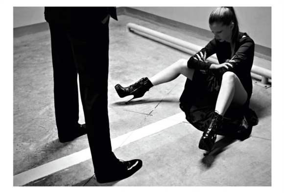 Natalia Onofrei for Harpers Bazaar Turkey December 2010-4