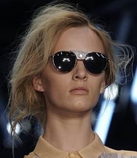 Round sunglasses trend spring summer 2011 Proenza Schouler
