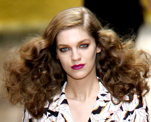 Hairstyle Trends S S 2011 Curls And Waves