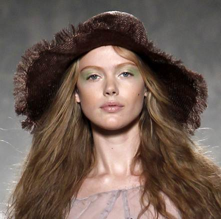 fancy brown hats for women spring 2011 Alberta Ferreta