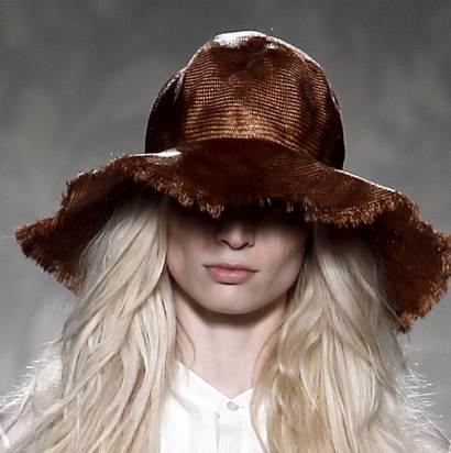 fancy hats for women spring 2011 Alberta Ferreta