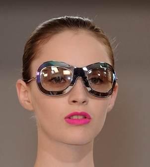 huge edgy sunglasses trend spring 2011 Jil Sander