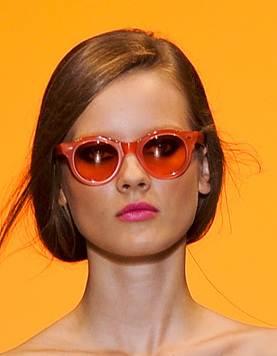 round sunglasses trend spring 2011 Cacharel