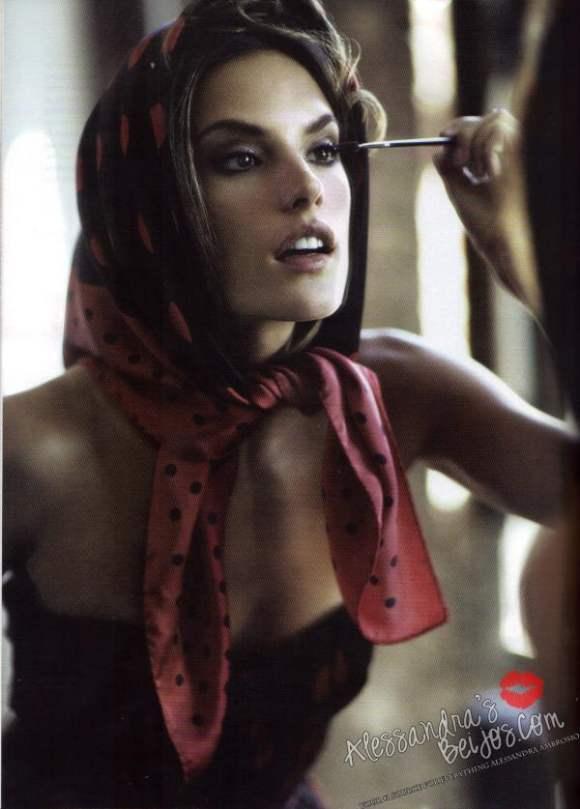 Alessandra Ambrosio Stewart Shining Vogue Mexico December 2010 5