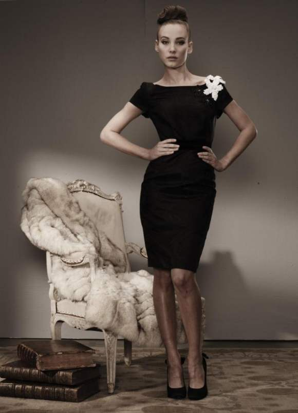 Amanda Kelsey for Alex Perry F W 2011 4