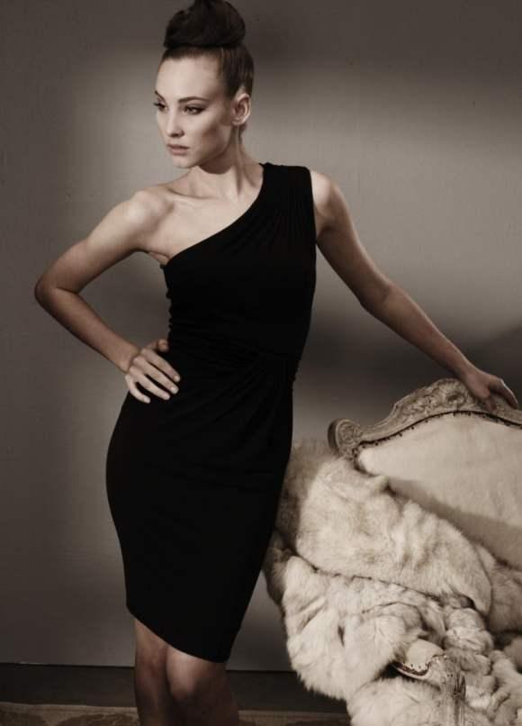 Amanda Kelsey for Alex Perry F W 2011 8