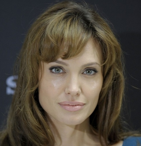 Angelina Jolie without makeup 15