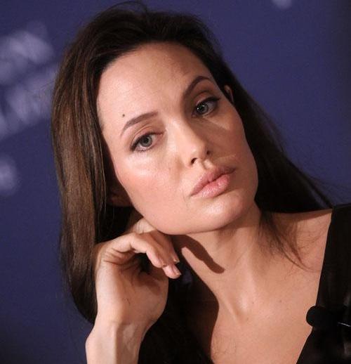 Angelina Jolie without makeup 2