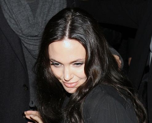 Angelina Jolie without makeup 3