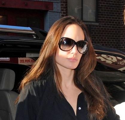 Angelina Jolie without makeup 4