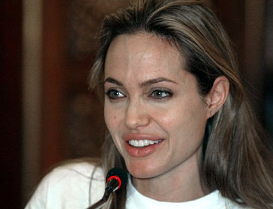 Angelina Jolie without makeup 6