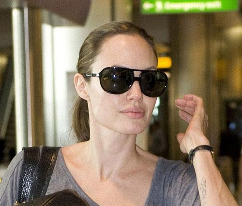 Angelina Jolie without makeup 8