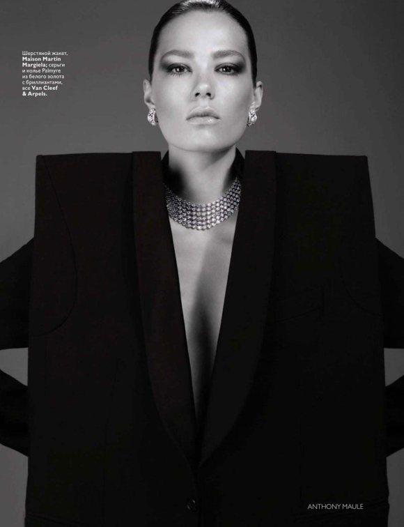Caroline Brasch Nielsen Vogue Russia January 2011 3