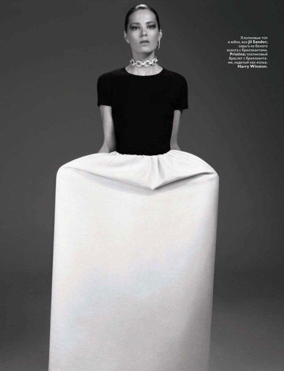 Caroline Brasch Nielsen Vogue Russia January 2011 4