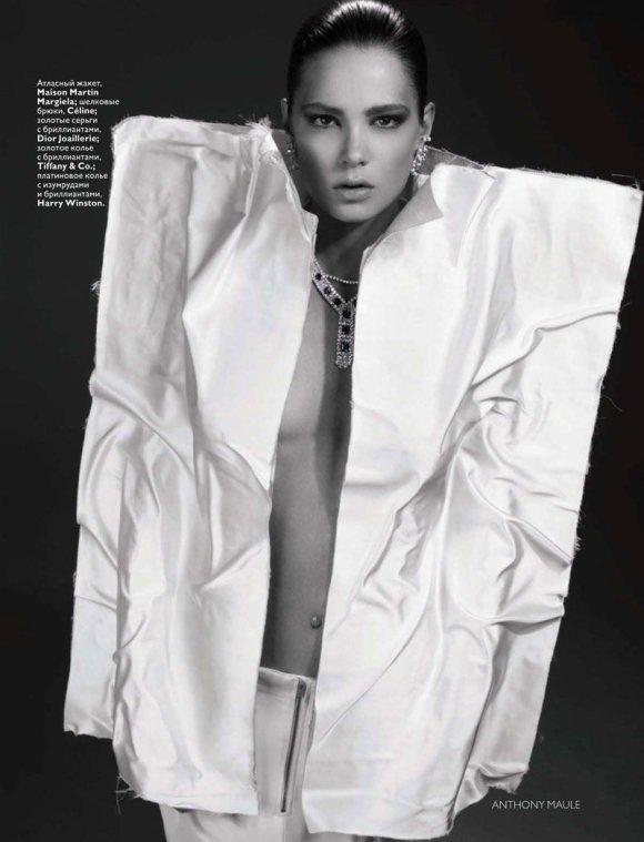 Caroline Brasch Nielsen Vogue Russia January 2011 7