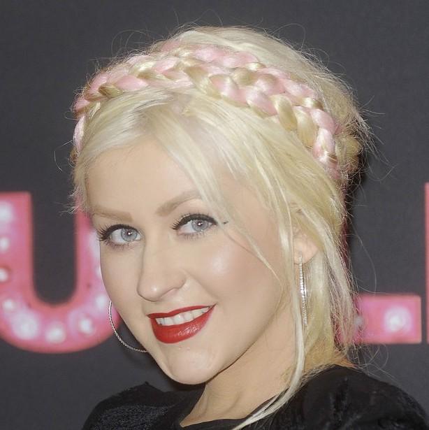 Christina Aguilera visible hair extensions