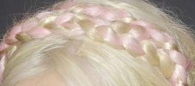 Christina Aguilera visible clip-in hair extensions