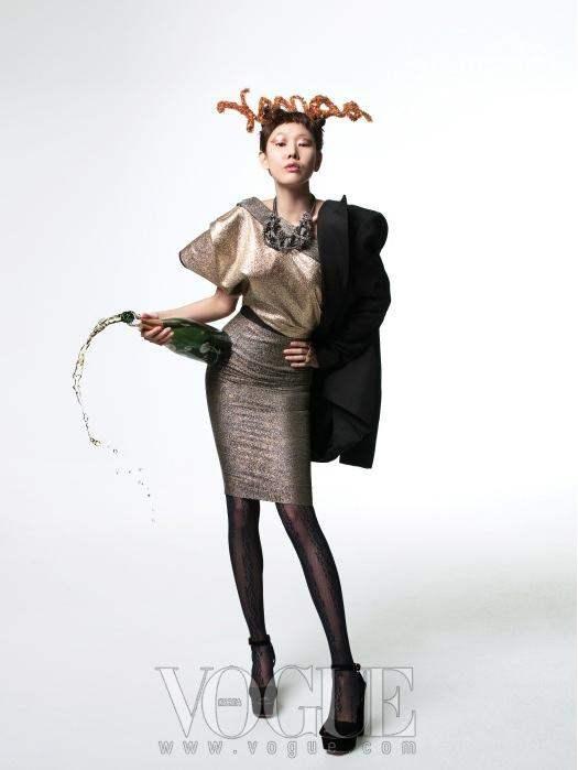 Christmas Editorial Vogue Korea December 2010 11