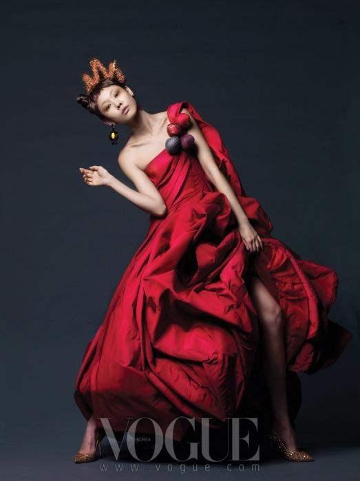 Christmas Editorial Vogue Korea December 2010 2