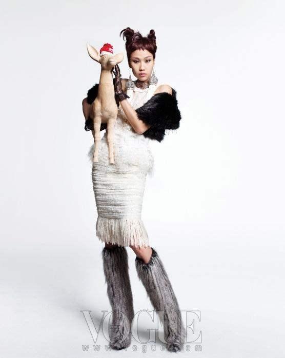 Christmas Editorial Vogue Korea December 2010 5