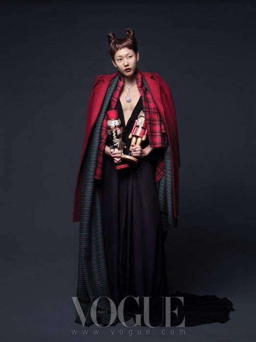 Christmas Editorial Vogue Korea December 2010 6