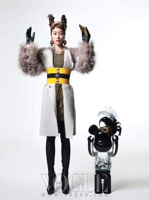 Christmas Editorial Vogue Korea December 2010 7