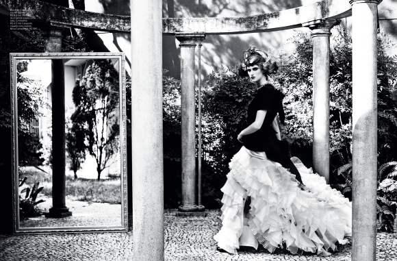 Daiane Conterato for Elle Brazil December 2010 3