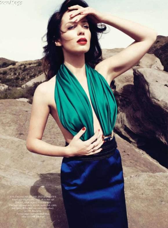 Emily Blunt Harpers Bazaar UK January 2011 6