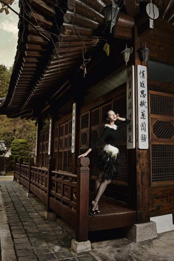 Gao Yuanyuan for Harpers Bazaar China January 2011 6