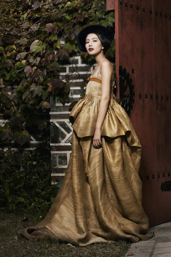 Gao Yuanyuan for Harpers Bazaar China January 2011 7