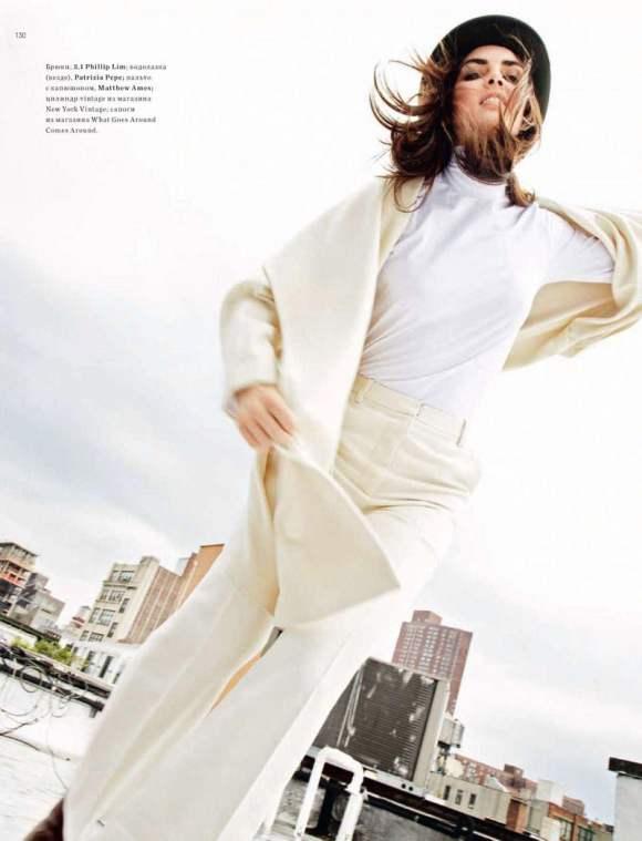 Hilary Rhoda for Harpers Bazaar Russia January 2011 5