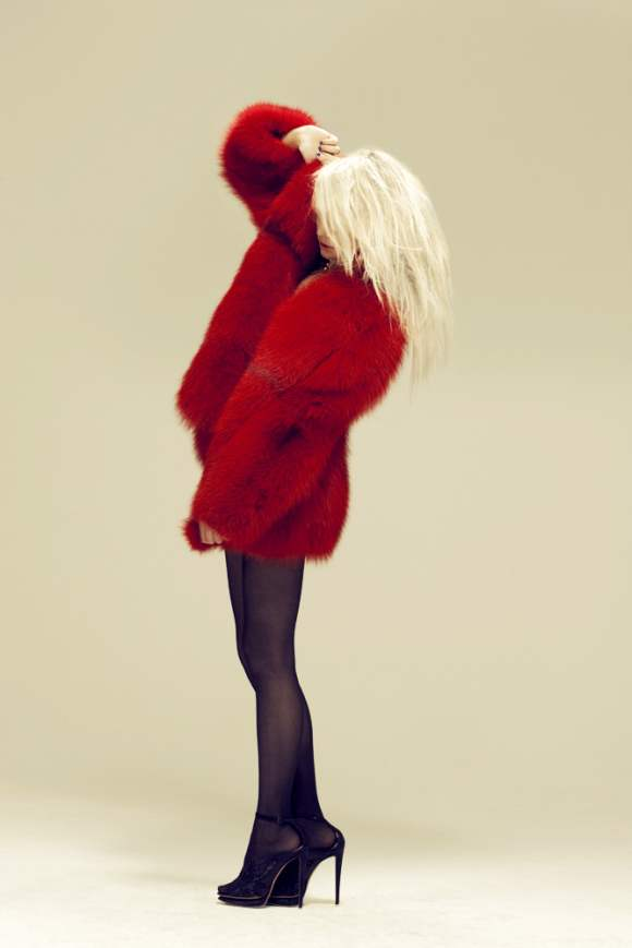 Natallia Krauchanka for Zink December 2010 7