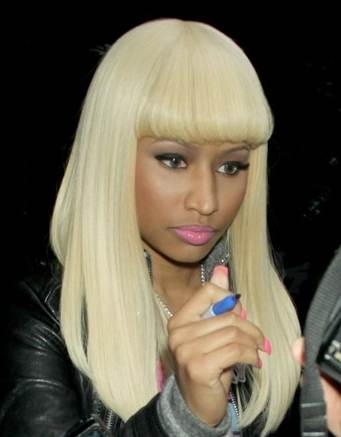 Nicki Minaj blonde bob