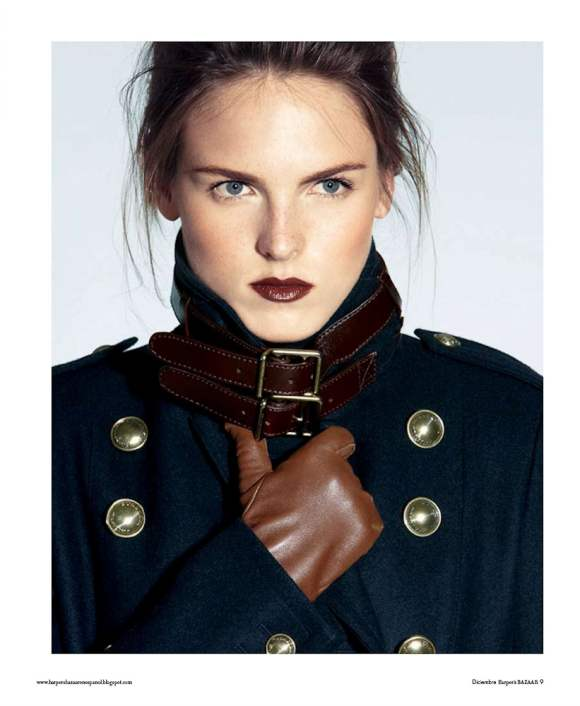 Polina Barbasova by Ronald James (Minimalismo Moderno   Harper's Bazaar Mexico December 2010)