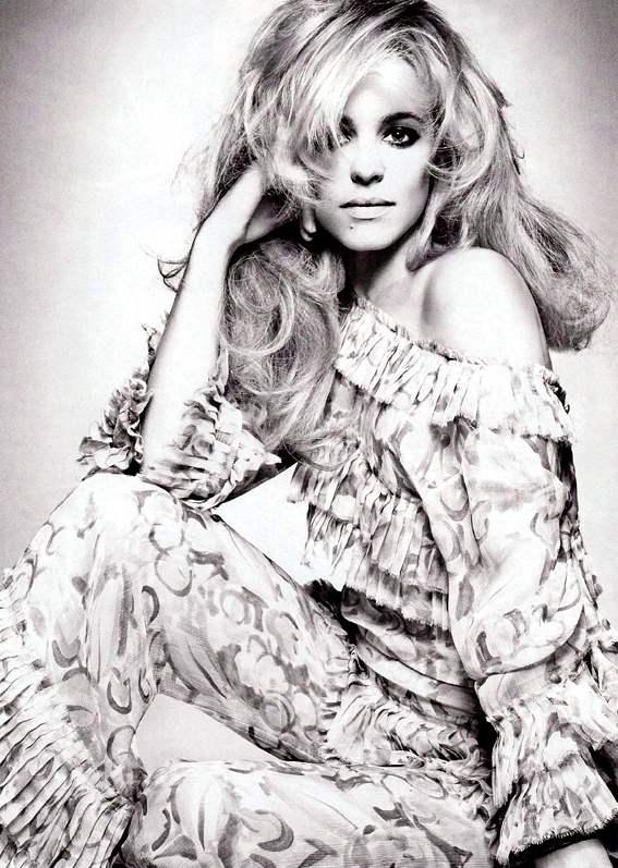 Rachel Mcadams Vogue Italia December 2010 5