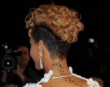 Rihanna blonde curl hairstyles january 2010