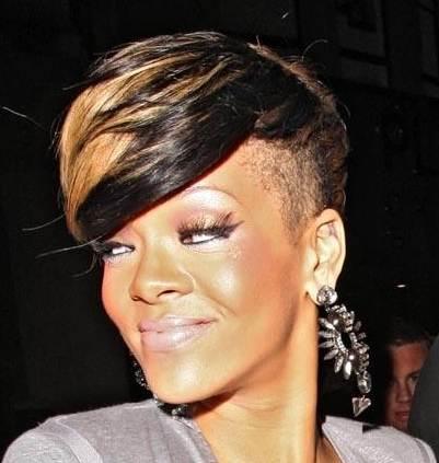 Rihanna blonde hair May 2010