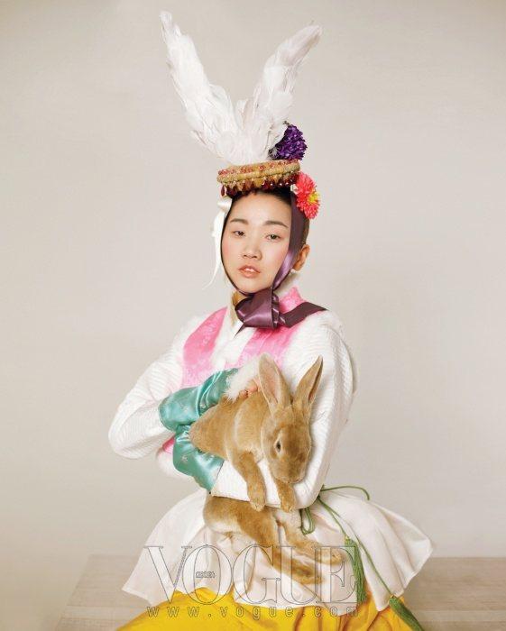Jang Yoon Ju Vogue Korea February 2011 4