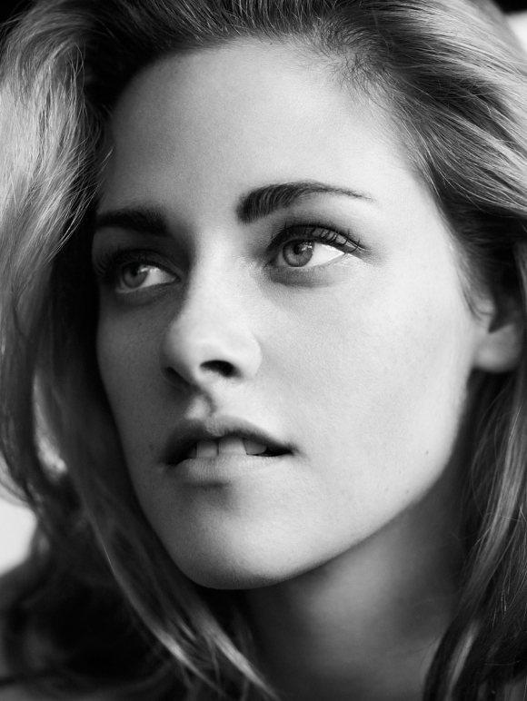 Kristen Stewart Vogue US February 2011 1