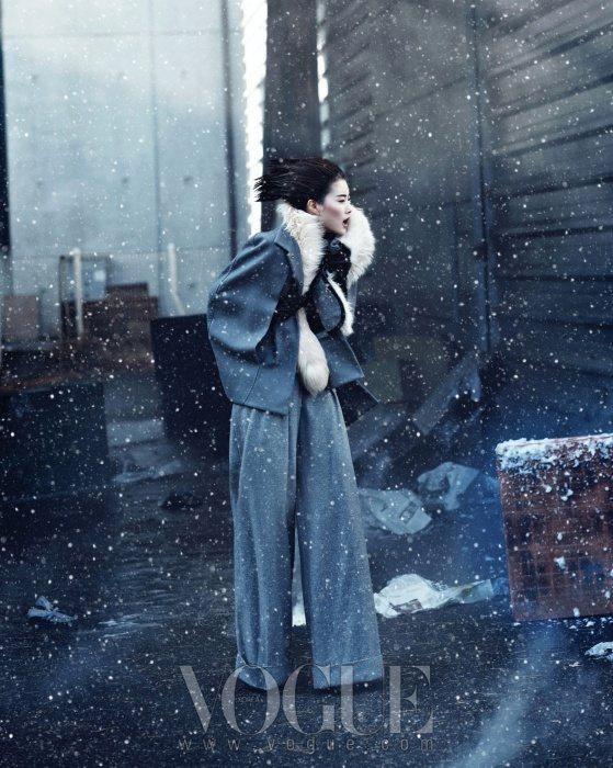 Lee Hyun Yi Vogue Korea January 2011 5