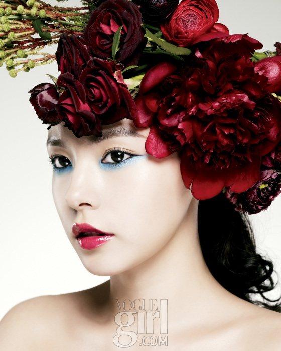 Min Hyo rin for Vogue Girl Korea January 2011 2