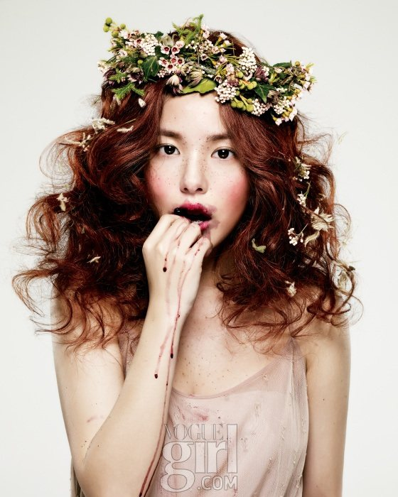 Min Hyo rin for Vogue Girl Korea January 2011 4