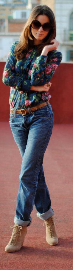 wearing boyfriend jeans