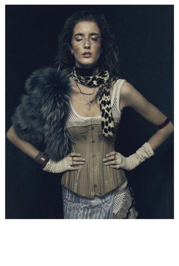 Amanda Laine Playing Fashion 4