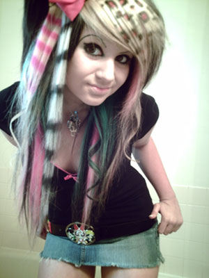 from Vincent teeny bopper with wild and multi colored hair