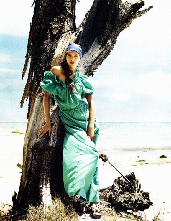 Jourdan Dunn Karmen Pedaru Vogue UK March 2011 9